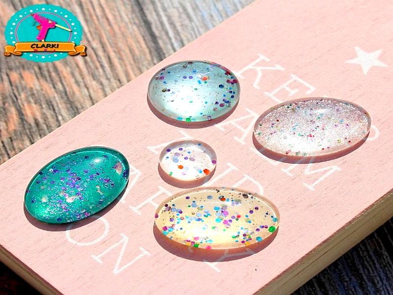 Cabochon Schmuck selber machen: Schmucksteine aus Glas & Nagellack