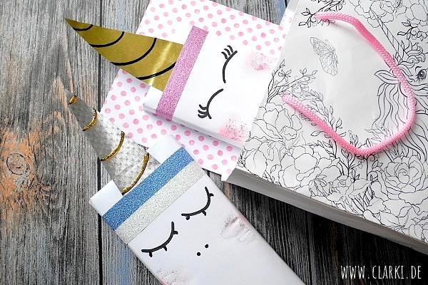 Diy geschenke verpacken tafel schokolade im einhorn design einpacken clarki - Einhorn geschenkverpackung ...